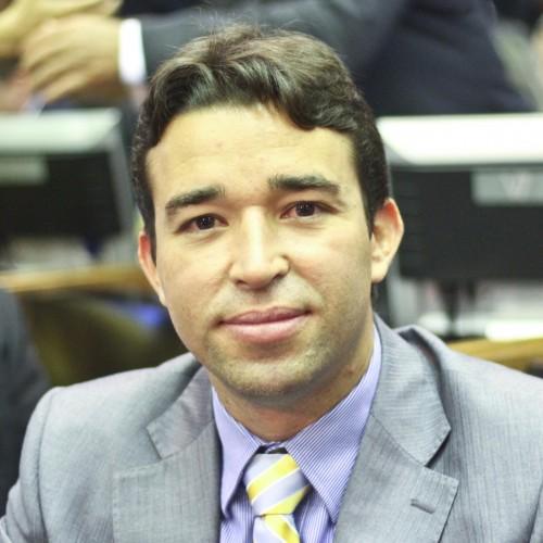 Carteiras estudantis vão ser expedidas gratuitamente no Piauí, diz deputado