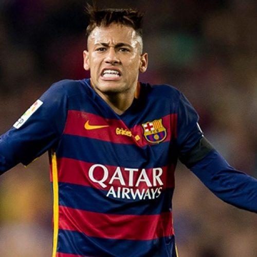 Sem munição, perdido e morto, Neymar encara pesadas críticas em Barcelona
