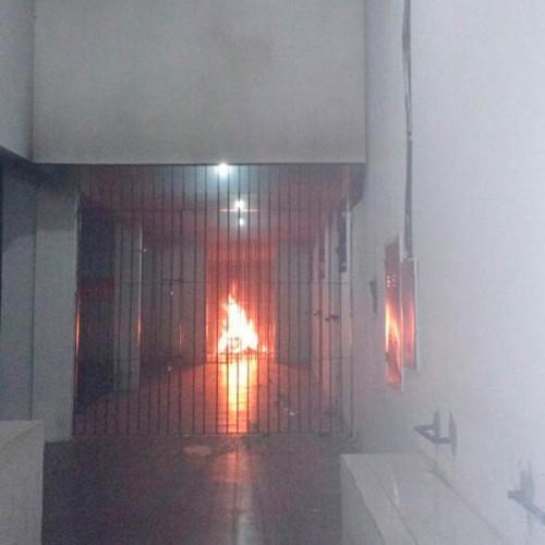 Presos fazem rebelião e incendeiam parte da penitenciaria no Piauí