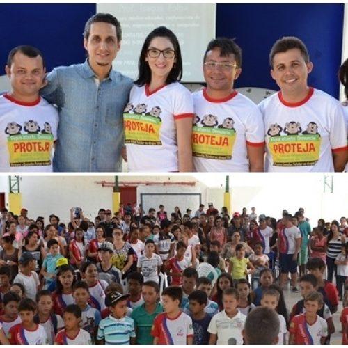 Alegrete do PI realiza palestra com o professor Isaque Folha em alusão ao Dia 18 de Maio; Veja fotos