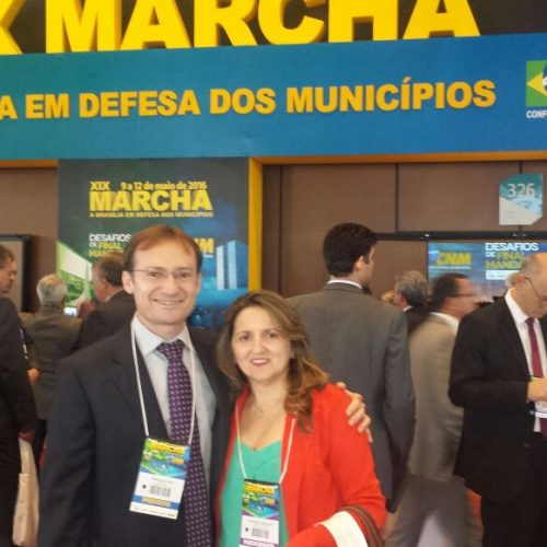 Prefeito de Massapê do Piauí participa de grande evento municipalista em Brasília
