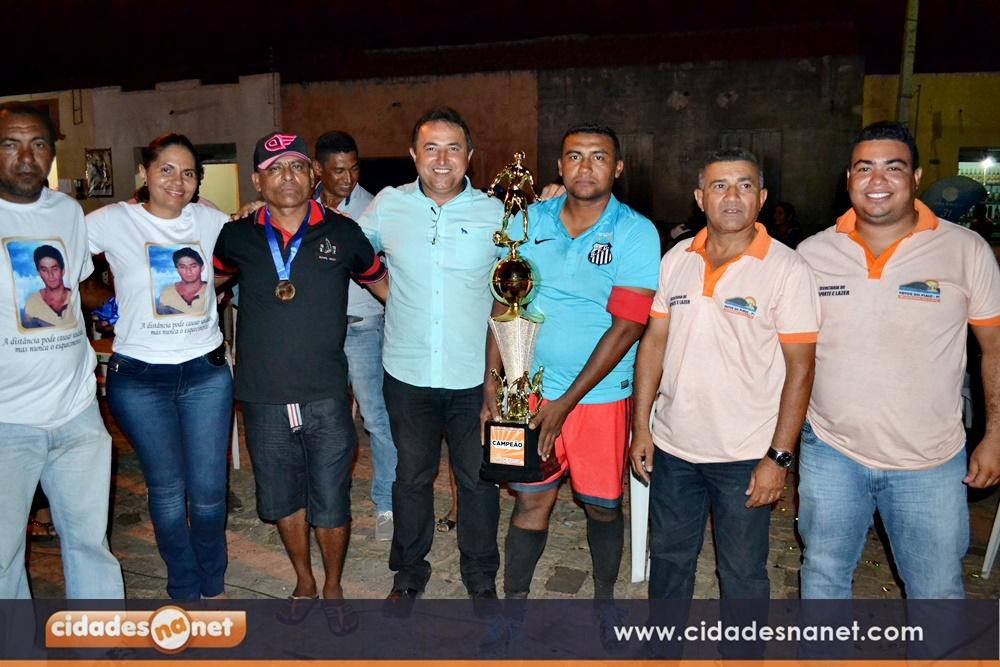 Penharol recebe troféu e R$ 2.500