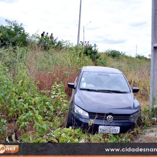 JAICÓS | Empresário perde o controle do carro e cai em ribanceira; fotos