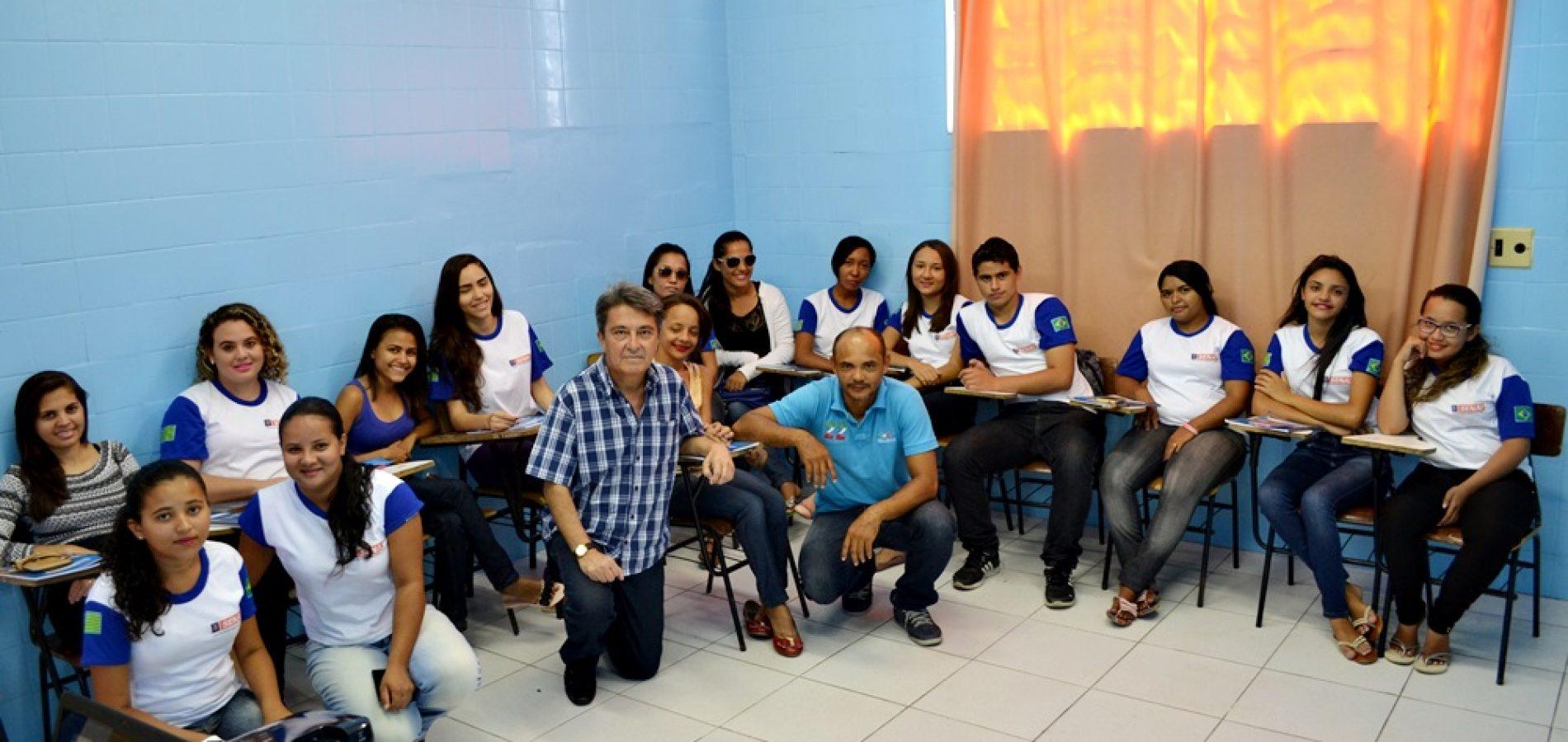 Secretaria de Assistência Social de Jaicós promove curso profissionalizante de cabeleireiro