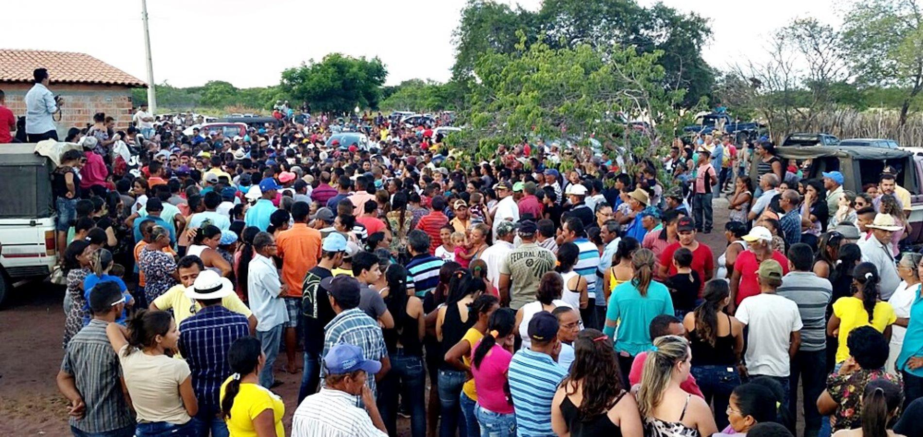Multidão se despede do jovem João Paulo no interior de Jaicós; fotos