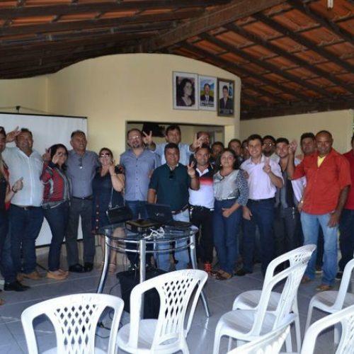 ALEGRETE DO PIAUÍ   Prefeito Márcio Alencar e pré-candidatos a vereador participam de oficina eleitoral