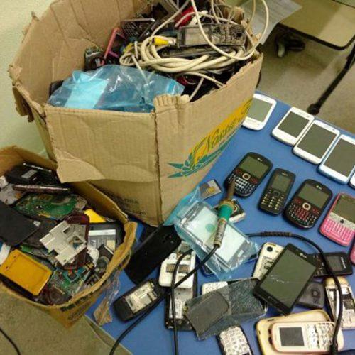 Dono de loja de celulares é preso com quase 200 aparelhos roubados