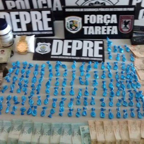 Suspeito é preso com cocaína, carro de luxo e 'paredão' de R$ 30 mil