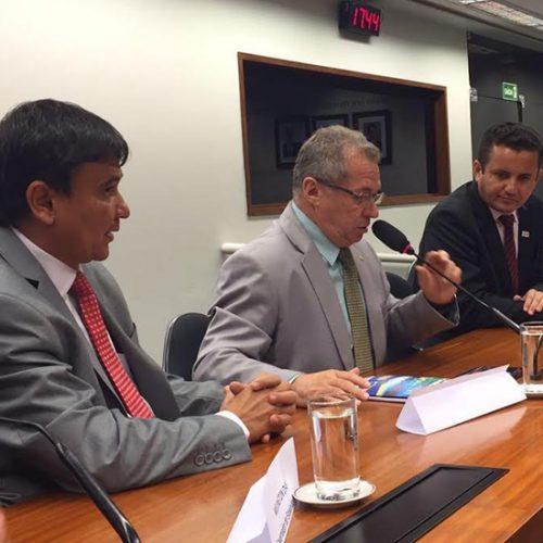 Em Brasília, prefeitos e governador do Piauí discutem pautas municpalistas