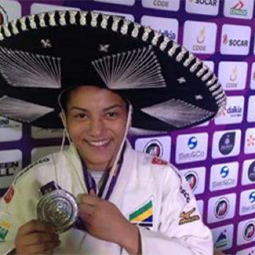 Sarah Menezes fica com a medalha de prata no World Masters, no México