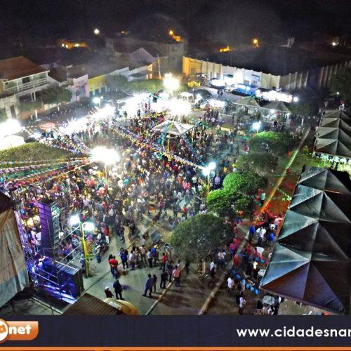 CALDEIRÃO GRANDE | 'Viva São João' tem apresentações culturais e show com Solteirões do Forró