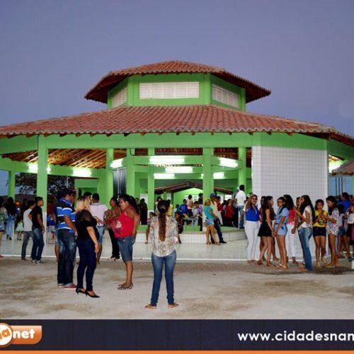 Prefeito Márcio Alencar entrega nova escola padrão MEC a população do povoado Malhada Alta; veja fotos