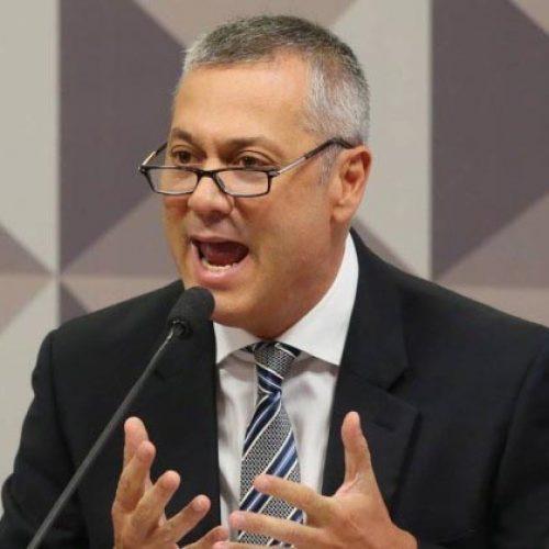 Cai o 3º ministro do governo Michel Temer, agora da AGU