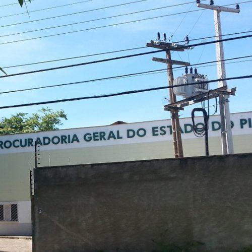 Bandidos invadem Procuradoria Geral do Estado fazem procurador de refém e arrombam caixa
