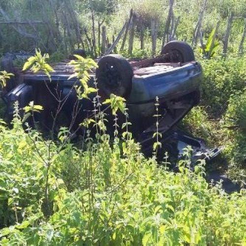 Jovem tem braço decepado e morre em colisão entre carro e moto do Norte do Piauí