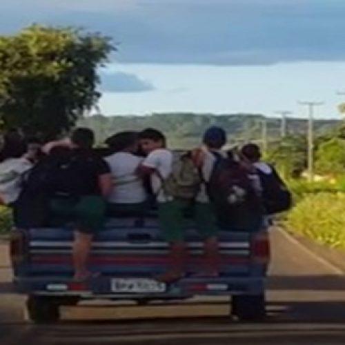 Alunos são levados na carroceria de picape no interior do Piauí