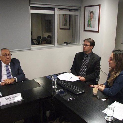 Seduc consegue em Brasília R$ 6 milhões para construir escolas e quadras