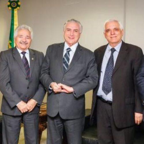 Elmano se reúne com Themístocles e Temer em Brasília