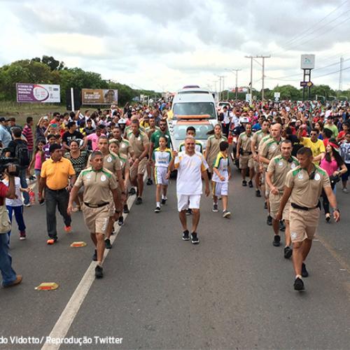 Festa em Teresina encerra passagem da 'Tocha Olímpica' no Piauí