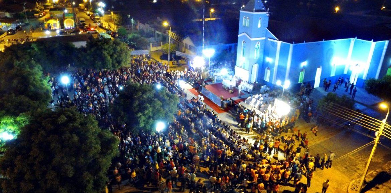 Multidão participa da ordenação do primeiro padre filho de Padre Marcos
