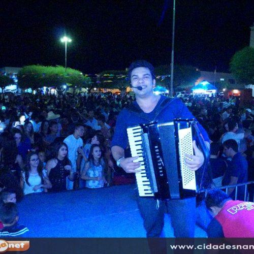 SIMÕES   1º São João da Juventude; Veja fotos