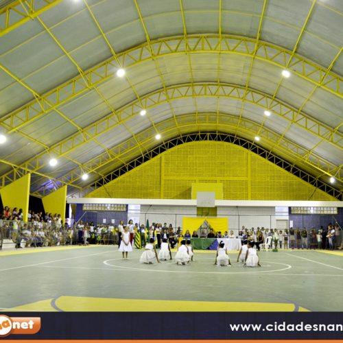 Prefeito Netinho inaugura quadra poliesportiva em Padre Marcos