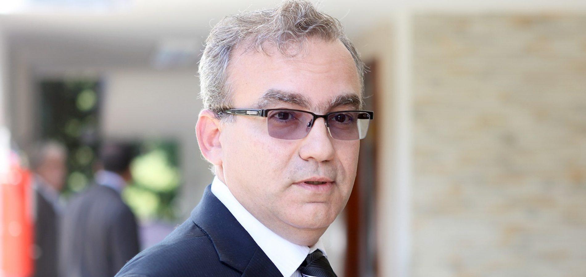 Firmino Filho nega candidatura ao Governo e admite apoiar João Vicente Claudino