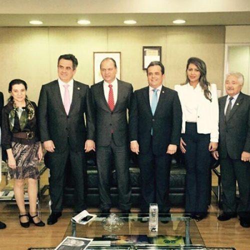 Henrique Pires toma posse e volta à presidência da Funasa