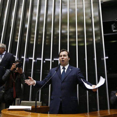 Rodrigo Maia, do DEM, é eleito o novo presidente da Câmara