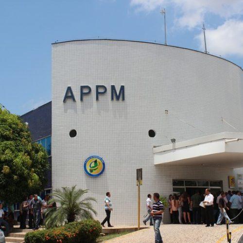 Bandidos amarram vigia e arrombam caixa eletrônico na sede da APPM; fotos