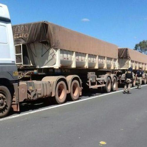 PRF flagra caminhões com 600 toneladas excedentes e aplica multas de R$ 180 mil no Piauí