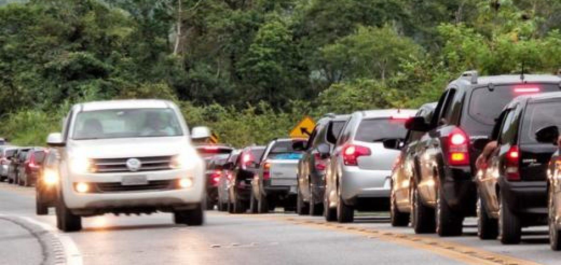 Em 5 dias, PRF multa 101 condutores por não uso de farol baixo no Piauí
