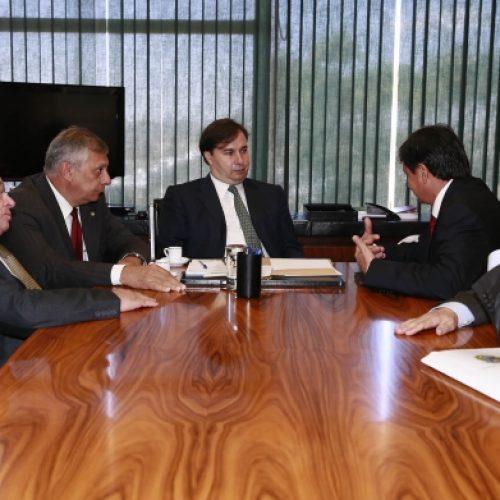 No Congresso, Wellington discute dívida dos estados
