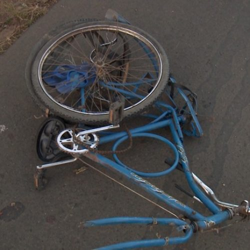Motorista perde o controle do carro e atropela ciclista de 14 anos na BR-343