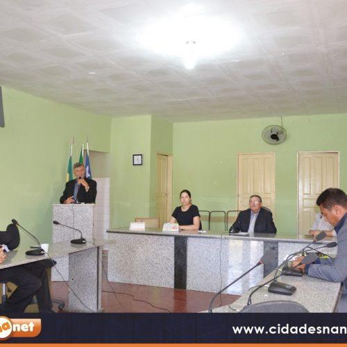 Vereadores discursam em  sessão da Câmara Municipal de Patos
