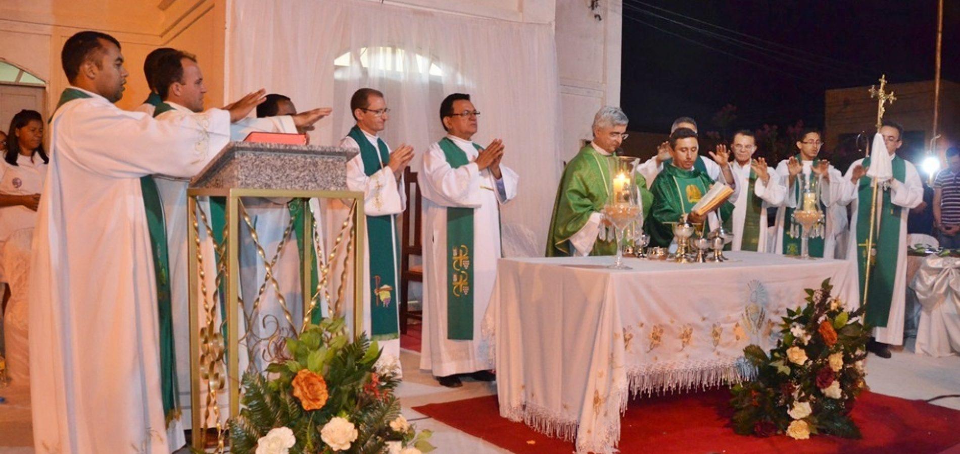 Área Pastoral de Curral Novo do Piauí é criada e recebe o primeiro padre; veja fotos