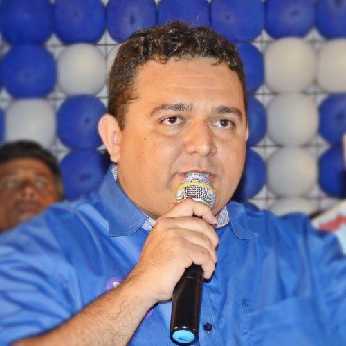 Toninho lidera pesquisa eleitoral para prefeito em Caridade do Piauí; veja números
