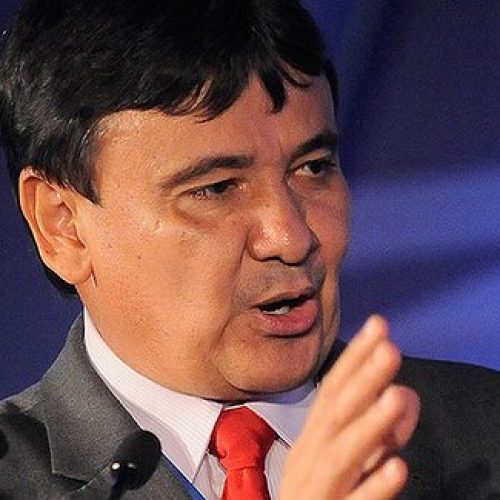 """""""É preciso investir no Social e pensar no Brasil"""", diz governador"""