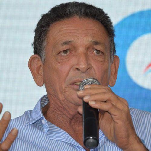 Gil Paraibano recebe alta após quatro dias de internação em Teresina
