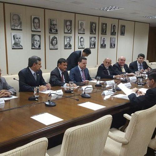 Governadores  apresentam carta de reivindicações a Temer e pedem R$ 14  bilhões de ajuda emergencial