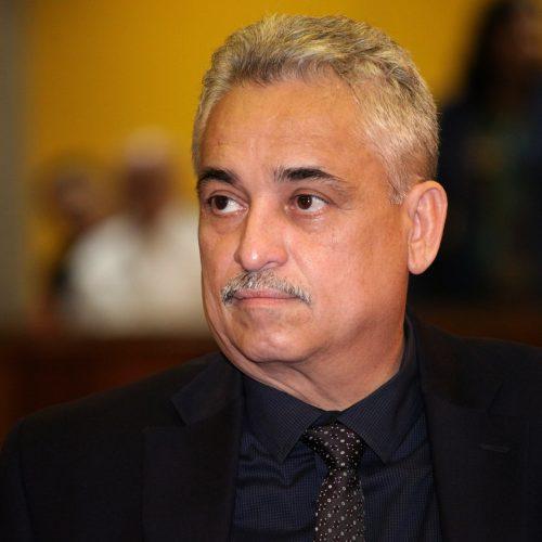 PEC: oposição diz que vai esperar governador conversar com categorias