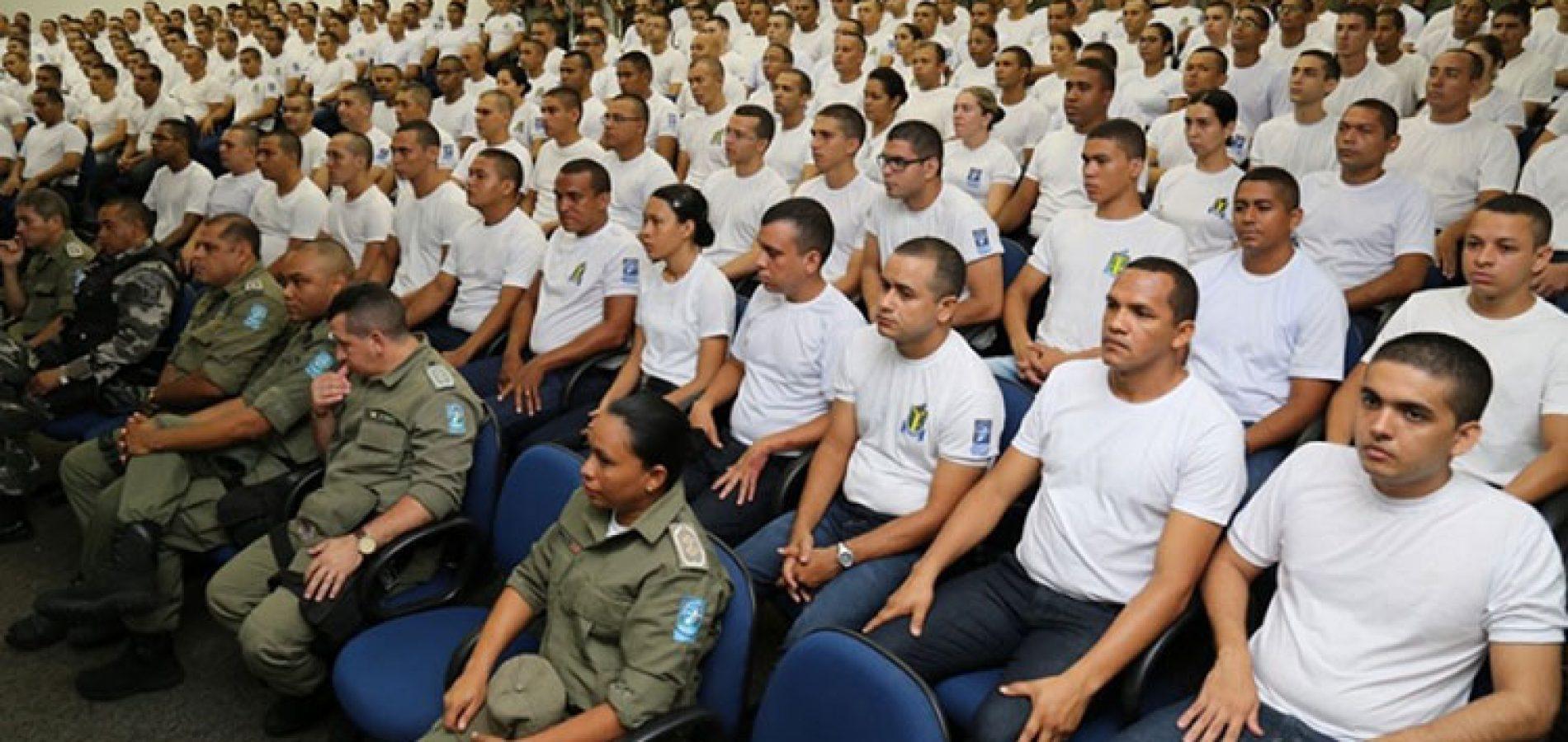 Após nomeação, 323 novos soldados seguem para as ruas
