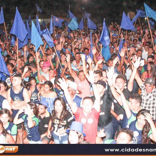 Multidão participa de Comício da oposição no interior de Caridade do Piauí