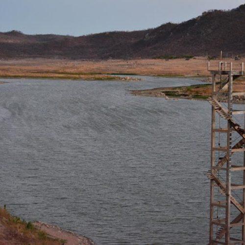 Açude Barreiras de Fronteiras atinge nível mais baixo de sua história
