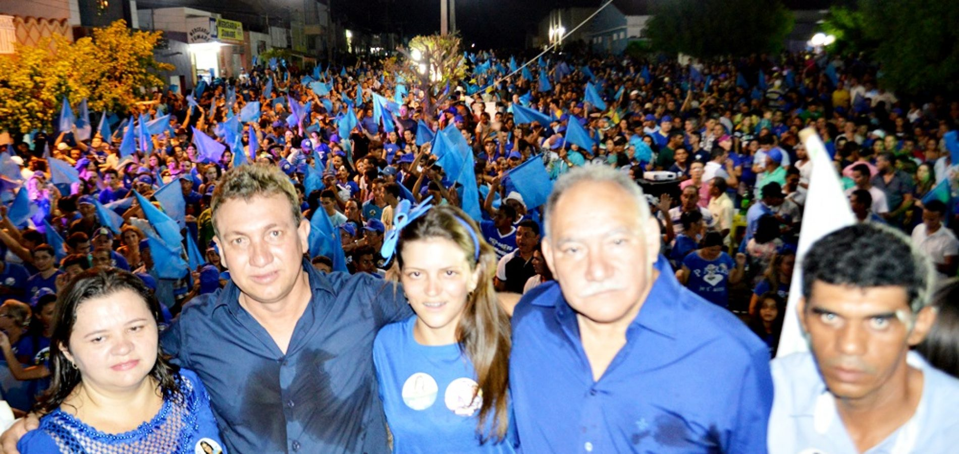 FOTOS| Comício Zé Adão e Janilson em Alagoinha