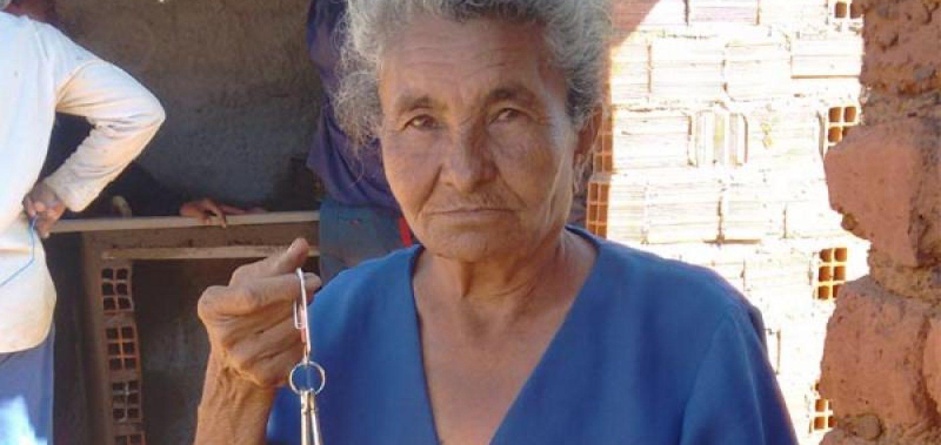 Voluntários de Bocaina constroem e doam casa para idosa em São Luis do Piauí