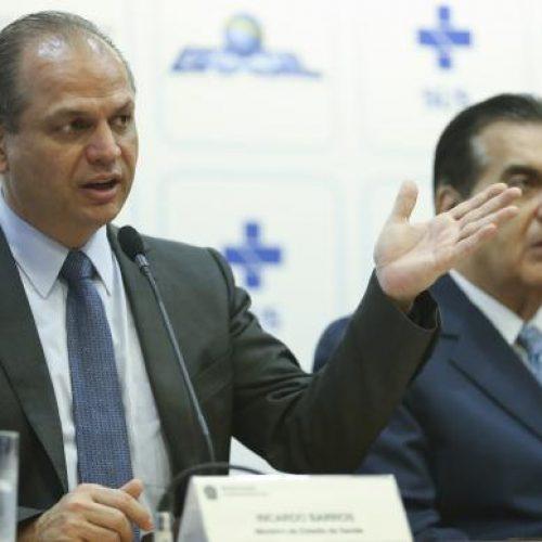 Governo aumenta salário do Mais Médicos e quer mais brasileiros no programa