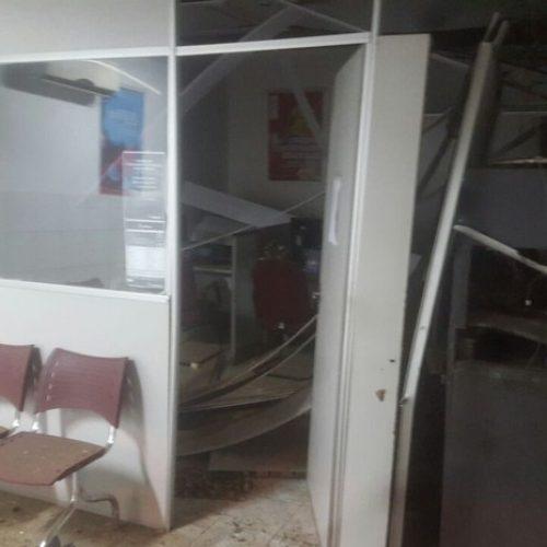 Bando assalta posto bancário e atira contra a PM no Piauí