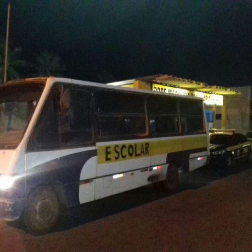 PRF apreende ônibus escolares transportando eleitores no Piauí