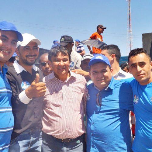 Wellington Dias visita Caridade do Piauí e manifesta apoio à candidatura de Toninho
